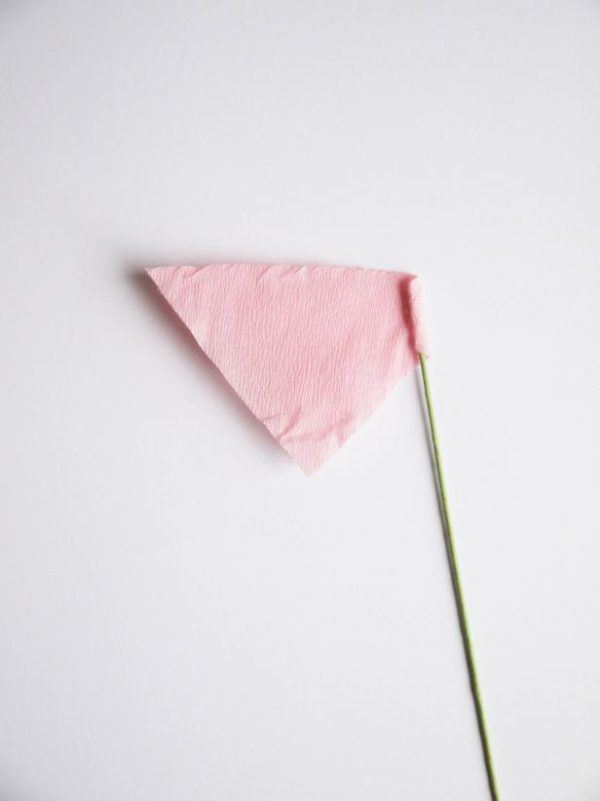 ramo de flores de papel para San Valentín tallo flor papel