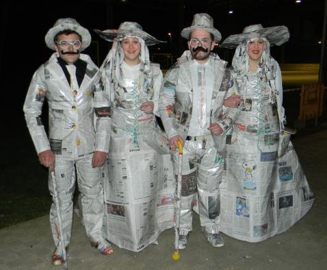 traje antiguo papel carnaval