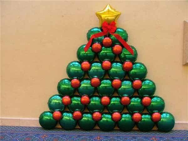 decoracion-de-navidad-con-globos-arbol-con-estrella