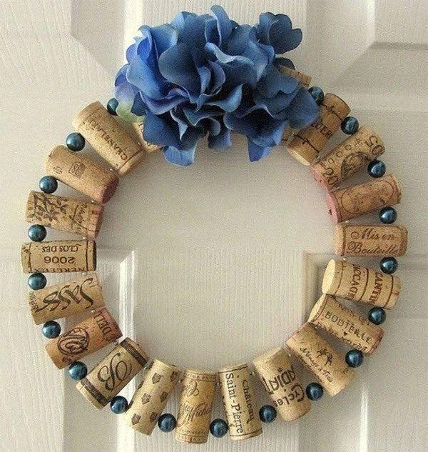 decoracion-de-navidad-para-puertas-corona-corcho