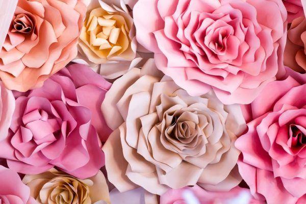 Hacer rosas de papel grandes