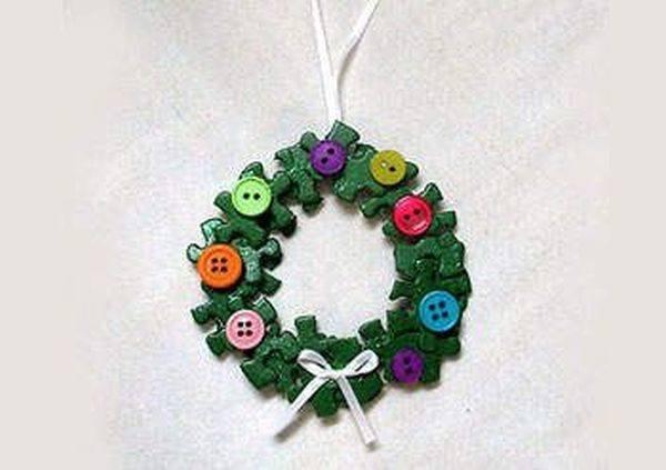 manualidades-de-material-reciclado-corona-puzzle-pinterest