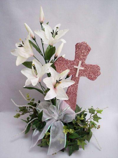 centros-de-mesa-para-comunion-flor-cruz-lazo-ellahoy