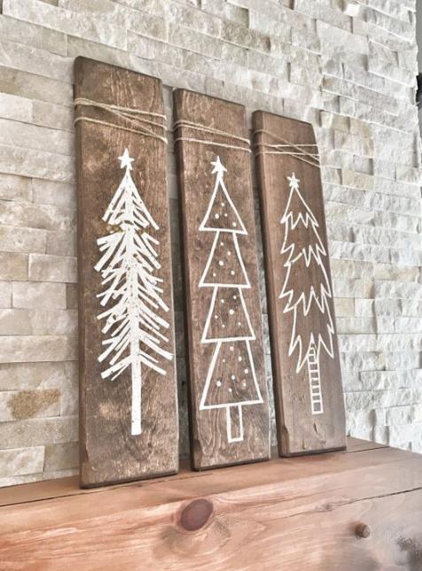 árbol de navidad con tabla madera