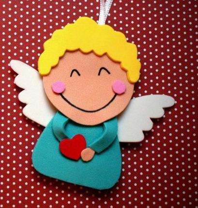 angel de goma eva para navidad