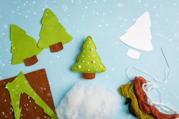 Adornos de navidad con fieltro manualidades faciles 2021 arbol nieve