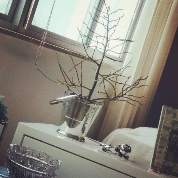 Como hacer arbol navidad ramas secas en un cubo