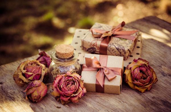 Ideas manualidades rosas secas para regalos