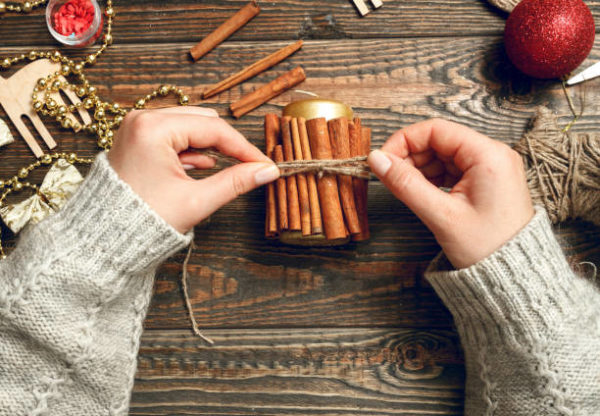 Manualidades para navidad 2020 faciles y para ninos vela ramita canela
