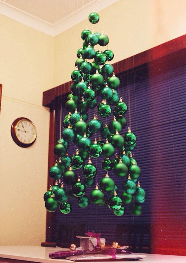Arboles navidad reciclados bolas