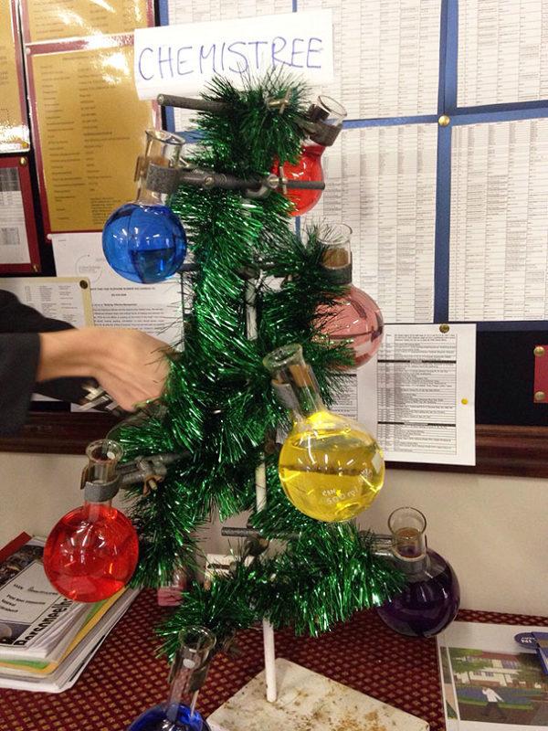 Arboles navidad reciclados quimica