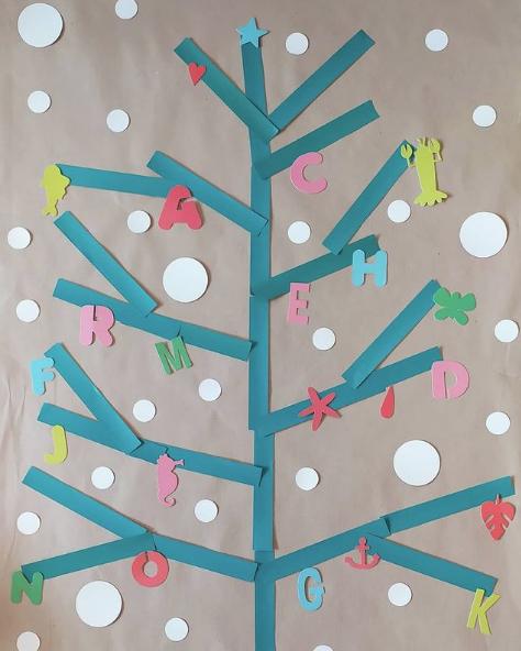 Manualidades de Navidad para niños para hacer este puente de Diciembre 2021 árbol de letras