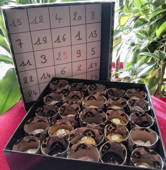 Manualidades de Navidad para niños para hacer este puente de Diciembre 2021 calendario de adviento chocolate