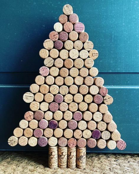 Manualidades de Navidad para niños para hacer este puente de Diciembre 2021 árbol de corchos