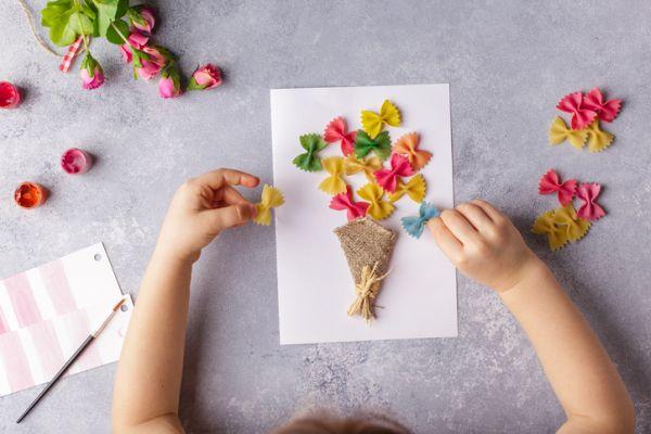 Manualidades para niños dia del arbol flores de pasta