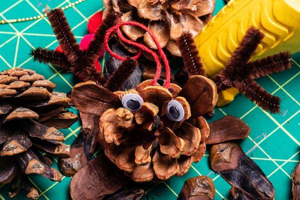 Manualidades para niños dia del arbol monstruo pina