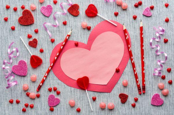 Manualidades para san valentin para ninos doble corazon cartulina rosa