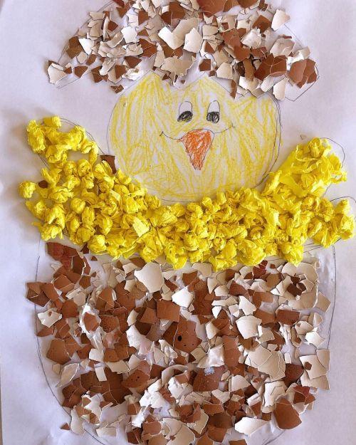 Manualidad hecha con cáscara de huevo