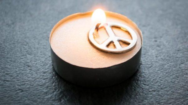 Las mejores manualidades para Día escolar de la paz y la No Violencia 2021 velas por la paz