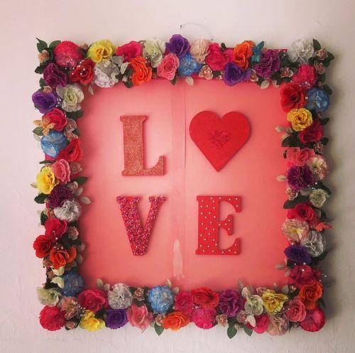 Postal de Loe con marco de flores