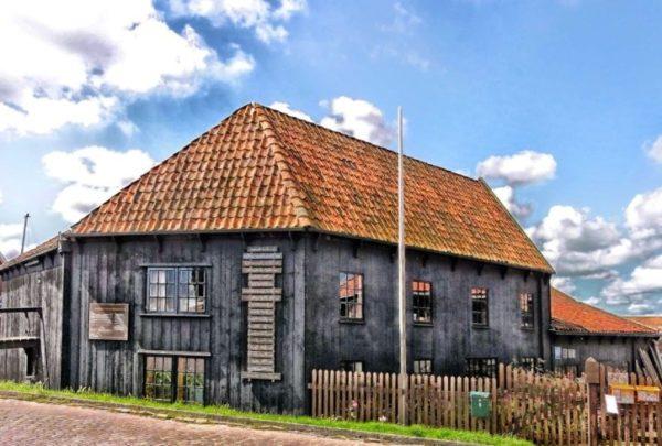 Fachada casa rustica con tejano ladrillo
