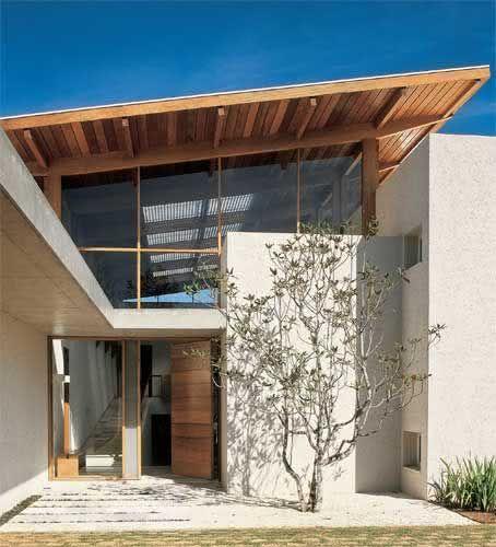 Ideas consejos para hacer fachada casa MODERNA Fachada con vidrio como principal elemento protagonista