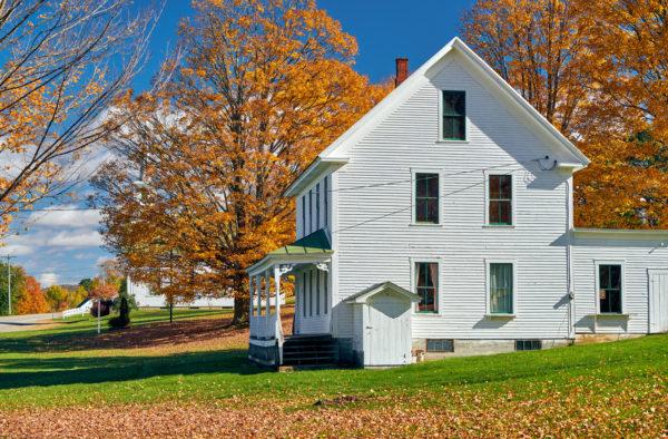 Ideas consejos para hacer fachada casa clásica blanca ventanas