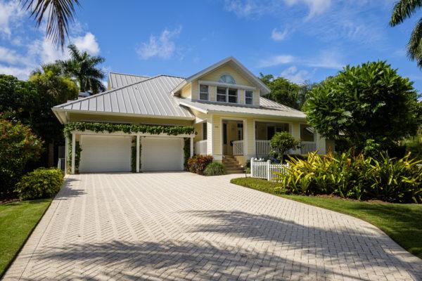 Ideas consejos para hacer fachada casa clásica doble garaje