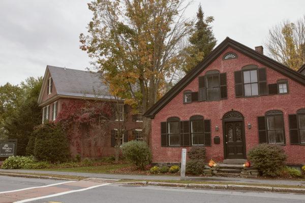 Ideas consejos para hacer fachada casa clásica rojo ladrillo