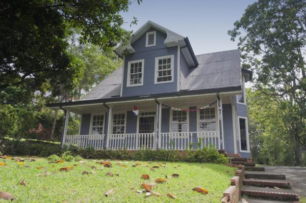 Ideas consejos para hacer fachada casa rustica dos plantas