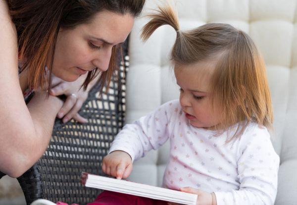 Actividades para celebrar el dia del libro con ninos madre e hija libro