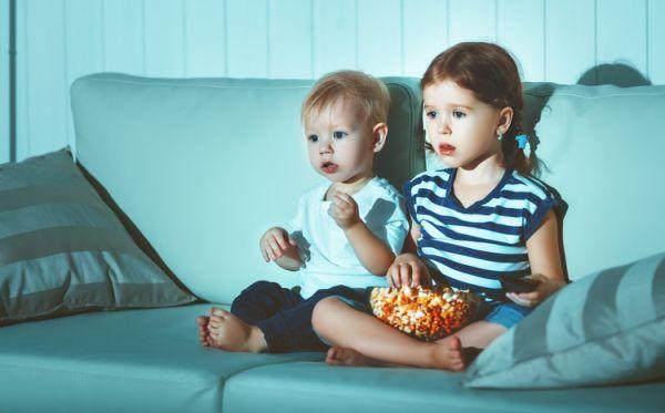 Actividades para celebrar el dia del libro con niños, viendo tele