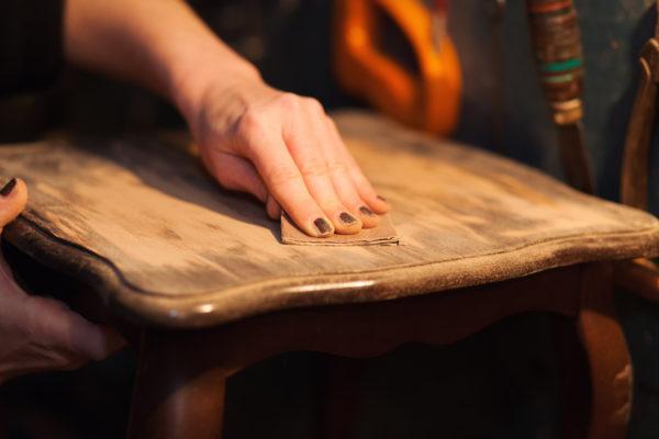 Cuales los mejores trucos consejos para envejecer mueble madera