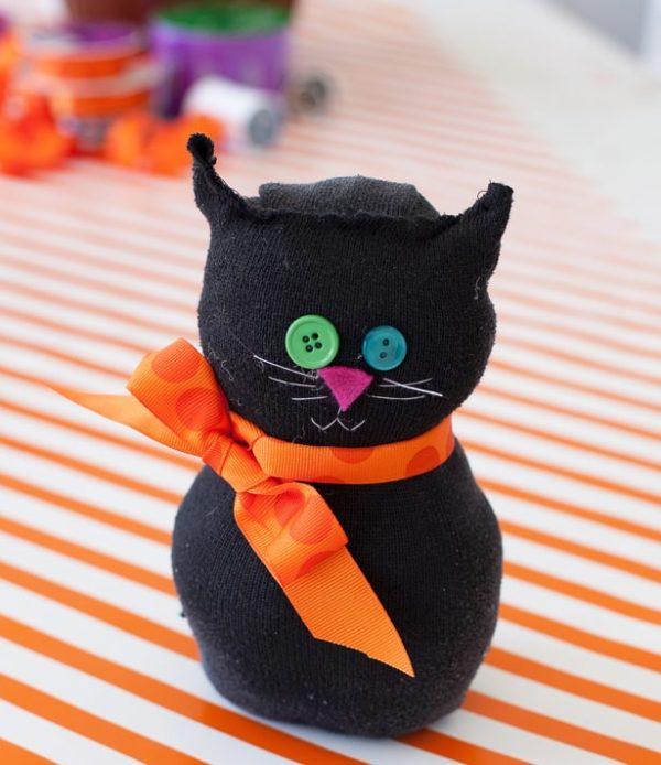 Mejores manualidades dia internacional gato figura fieltro calcetin