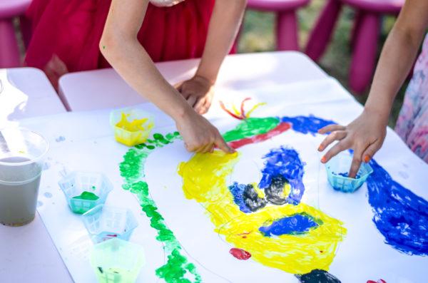 Manualidades niños 2 3 años pintura dedos