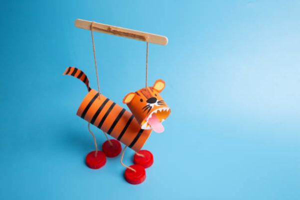 Juguetes reciclados marioneta