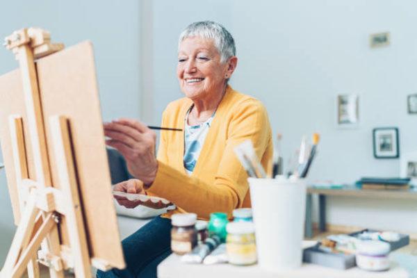 Las mejores ideas de manualidades para personas mayores PINTAR