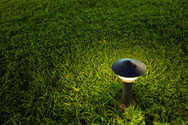 Las mejores ideas para iluminar tu jardin sin contaminar lamparas carga solar