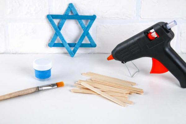 Ideas de manualidades para ninos para el dia de hanukkah estrella david