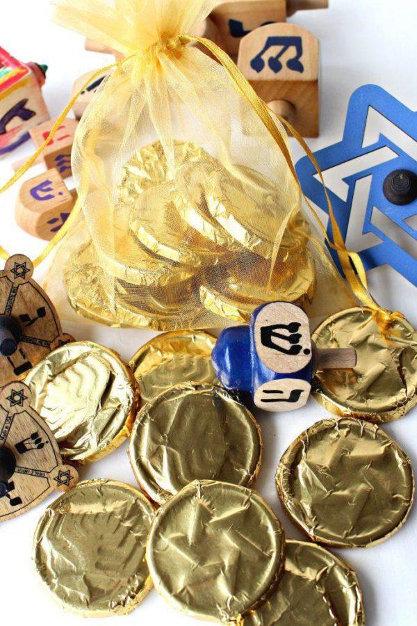 Ideas de manualidades para ninos para el dia de hanukkah monedas chocolate