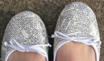 manualidades-con-papel-de-periodico-zapatos