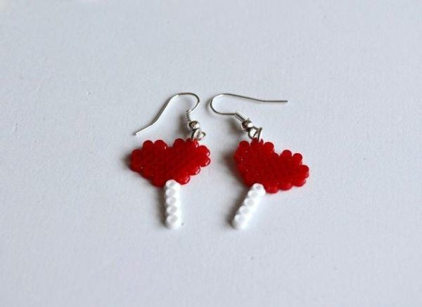 manualidades-san-valentin-pendientes-hama-beads