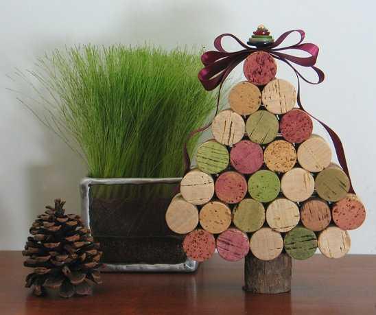 Decoraci n de navidad con materiales reciclados manualidades for Materiales reciclados para decoracion