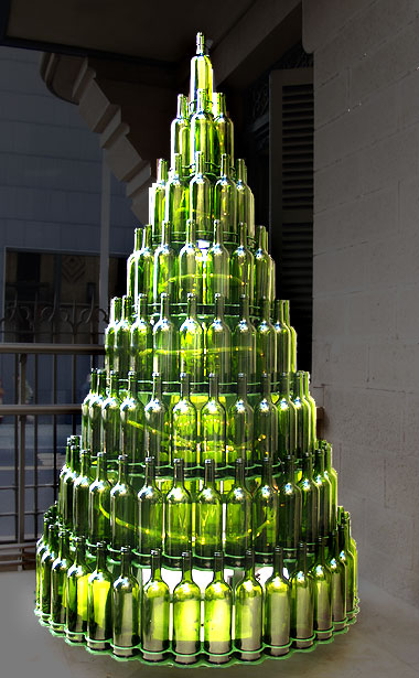 Pino de botellas manualidades for Adornos navidenos reciclados botellas
