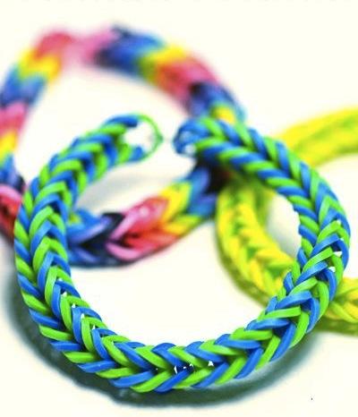 pulsera de goma de colores