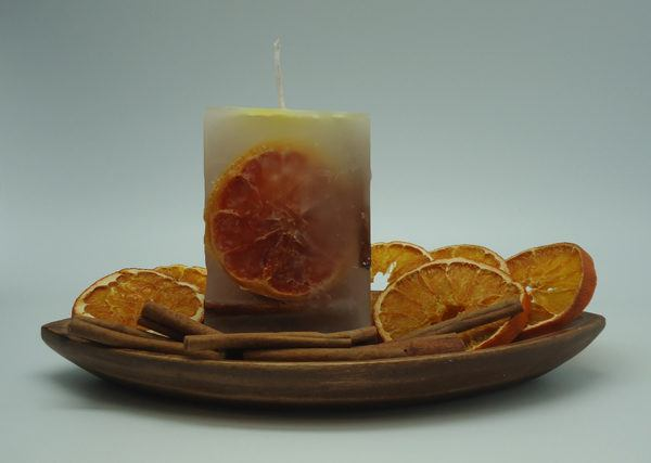 velas-decorativas-con-canela-con-fruta