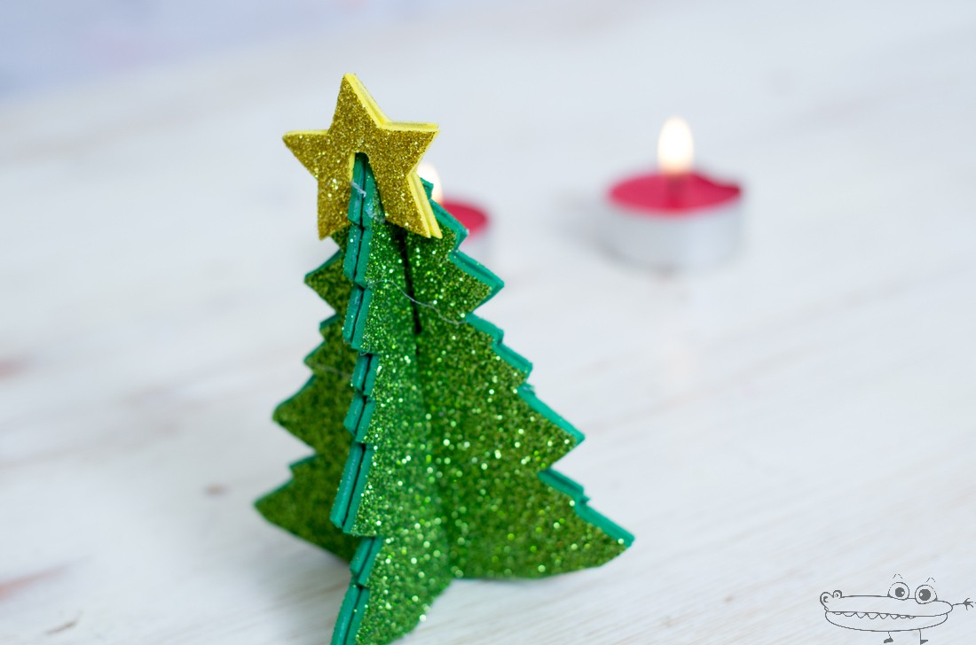Como hacer un arbol de navidad en goma eva manualidades - Hacer adornos arbol navidad ...