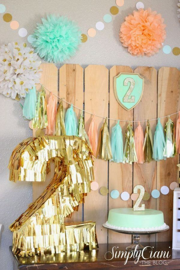 Decoracion con flores de papel baby shower for Papel de decoracion