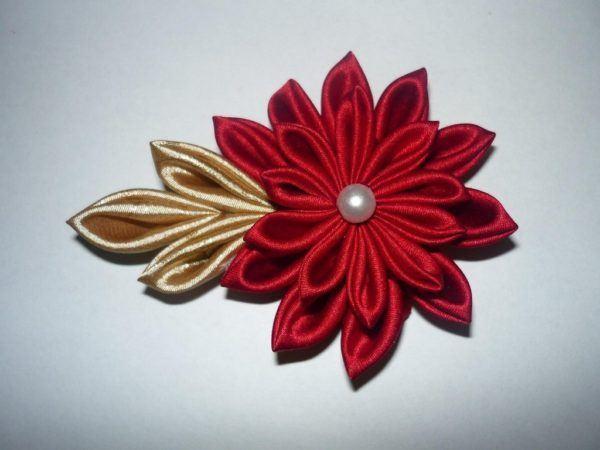 C mo hacer flores de tela manualidades - Como hacer manualidades de tela ...