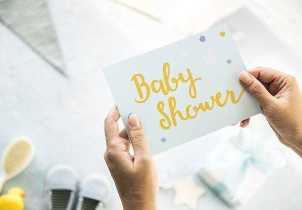 manualidades-sencillas-para-una-baby-shower-istock